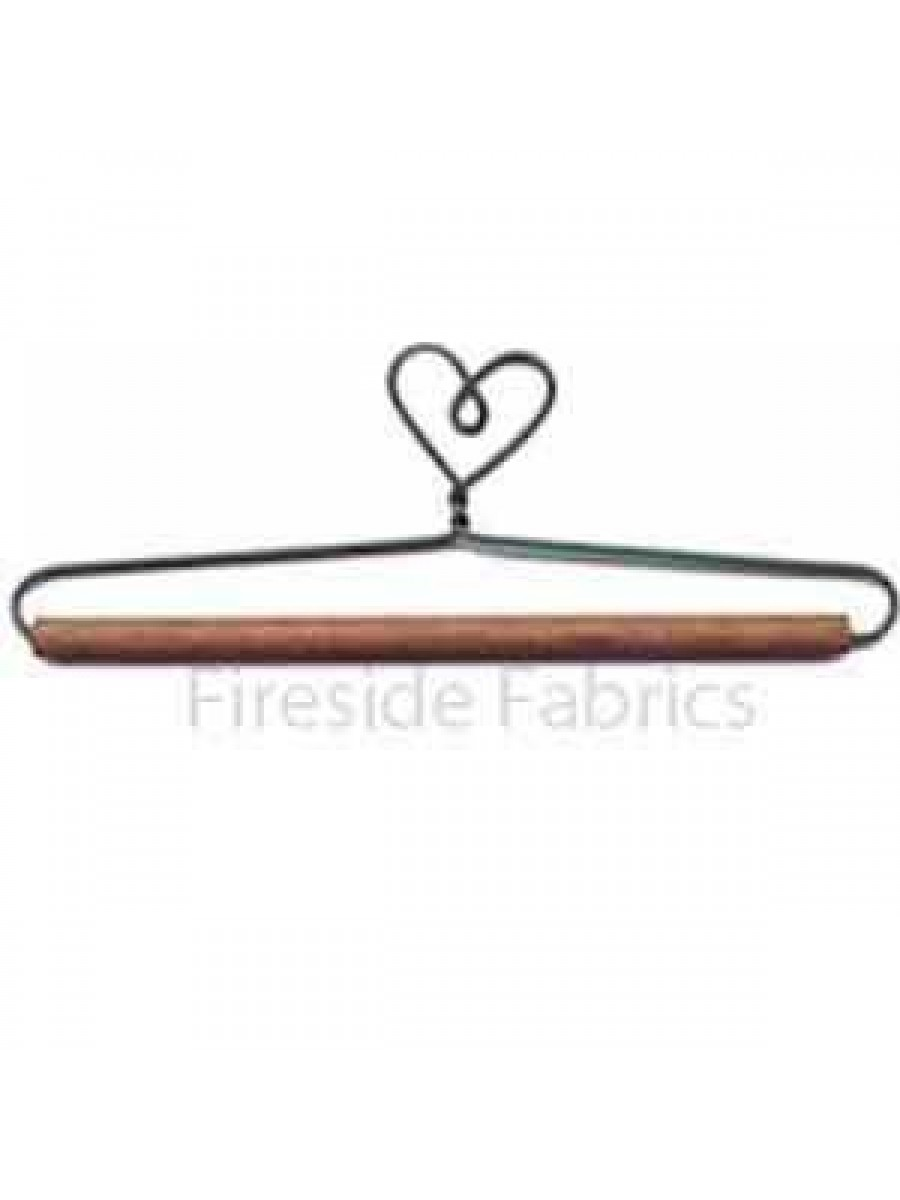 """HEART WIRE QUILT HANGER WITH DOWEL 6"""" (15cm)"""